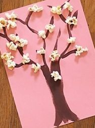 Spring creation with children - flowering tree i-creative. Daycare Crafts, Baby Crafts, Toddler Crafts, Diy And Crafts, Crafts For Kids, Arts And Crafts, Craft Kids, Spring Activities, Toddler Activities