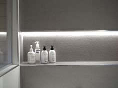 Kuistin kautta: TALOKIERROS: Kylpyhuone The White Company, Hana, Bathroom Medicine Cabinet, Shower, Villa, Blog, Decor, Rain Shower Heads, Decoration