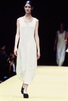 Comme des Garçons Spring 1993 Ready-to-Wear Collection Photos - Vogue