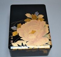 Japanese lacquer box with peony