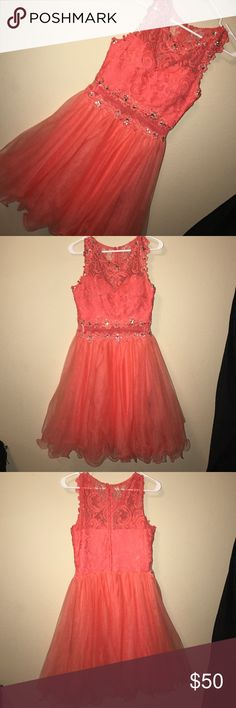 homecoming dress Super cute coral dress. Only worn once and in perfect condition Eureka Dresses Midi