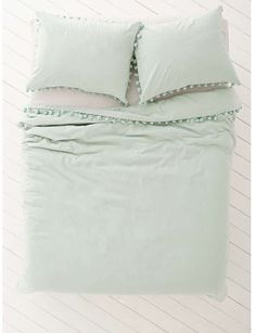 Duvet supposed to be from Urban Outfitters, but sadly all sold out on their site- but I found this one on ebay!!