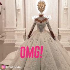 hochzeit videos A Beautiful Bridal Masterpiece Fancy Wedding Dresses, Crystal Wedding Dresses, Stunning Wedding Dresses, Princess Wedding Dresses, Bridal Dresses, Wedding Gowns, Beautiful Dresses, Wedding Corset, Wedding Ceremony