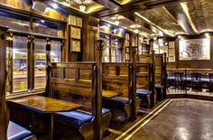 Suffolk Arms - New York | A Comfy LES Spot for Drinks and Burgers