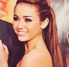Miley Cyrus = beautiful.