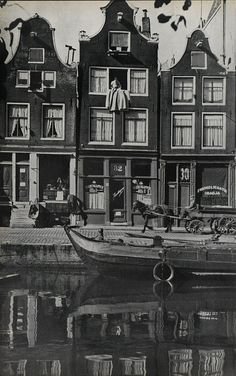 1937 - 1940. Prinsengracht in Amsterdam. The Prinsengracht is one of the four…