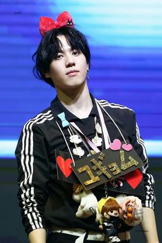 180329 Yugyeom at Yeouido fansign cr: YouTH_1117