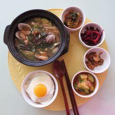 Today's Breakfast- chive and clam soybean stew. 오늘아침은 시원한 모시조개를 넣은 달래 된장찌개와 새우젓 호박지짐, 오이지 무침 그리고 비트beet볶음 입니다.