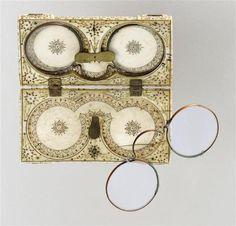 Tweed life (15th century eyeglasses)