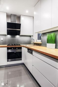 27 Kitchen Remodel Ideas On A Budget white kitchen design; 27 Kitchen Remodel Ideas On A Budget white kitchen design; kitchen remodel on a budget; Refacing Kitchen Cabinets, Kitchen Cabinet Design, Modern Kitchen Design, Kitchen Layout, Kitchen Interior, Kitchen Decor, Diy Kitchen, Kitchen Ideas, 1950s Kitchen