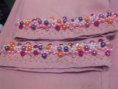 diy crumble Pearl Embroidery, Embroidery Neck Designs, Bead Embroidery Patterns, Embroidery Fashion, Embroidery Dress, Hand Embroidery, Crystal Fashion, Fabric Beads, Ribbon Work
