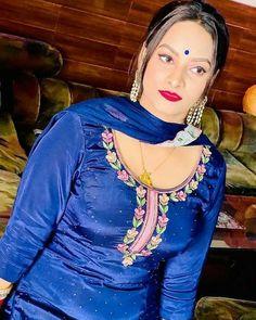 Punjabi beauty Beautiful Girl In India, Beautiful Women, Panjabi Suit, Long Indian Hair, Punjabi Dress, Black Suits, Indian Hairstyles, India Beauty, Hottest Photos
