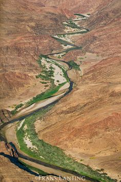 Hoarusib River (aerial), Puros Conservancy, Damaraland, Namibia - photo by Frans Lanting