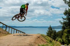 If this doesn't get you pumped for Crankworx Rotorua, we don't know what will. Check out the venue with Louis Hamilton, Lisa Horlor and Matt Walker as they rip up the trails at Skyline Gravity Park.