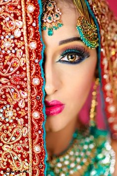 Beautiful Indian Bridal Makeup ideas for your Indian Wedding. All that color is beautiful! Indian Bridal Makeup, Asian Bridal, Beautiful Eyes, Most Beautiful, Absolutely Gorgeous, Beautiful People, Beautiful Pictures, Beautiful Indian Brides, Beautiful Bride