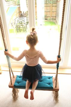 Lovely Retro Swing very soft and confi. Perfect for any photoshoot can be hang up outdoor and indoor. This item i make to order and can be in different colors you can choose the wooden base (natural or white), rope (natural or white), seat (many colors available). Product Total
