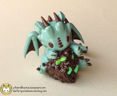 This little one will be coming to Designercon with me More cake dragons coming soon as I prepare for the convention Store here kachurryncreations.storenvy.co… Commission Info fav.me/d5hga49 ...