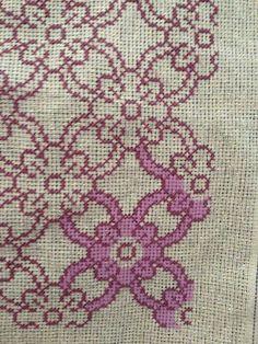 Cross Stitch Geometric, Cross Stitch Borders, Cross Stitch Flowers, Counted Cross Stitch Patterns, Cross Stitch Charts, Cross Stitch Designs, Cross Stitching, Cross Stitch Embroidery, Embroidery Patterns