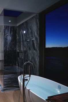 Because there are so many different options on the market finding the best freestanding tub faucet is not as easy as it might seem. Interior And Exterior, Exterior Design, Walk In Shower Enclosures, Jacuzzi Bathtub, Big Tub, Shower Filter, Dream Bath, Tub Faucet, Luxury Bathrooms