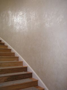 Venetian Plaster for the stairwell Faux Walls, Stucco Walls, Textured Walls, Faux Painted Walls, Venetian Plaster Walls, Polished Plaster, Wall Finishes, Faux Paint Finishes, Tadelakt