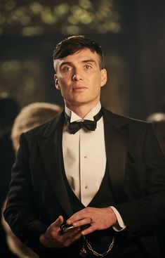 Cillian Murphy in the british crime drama television series Peaky Blinders. Odds have been slashed on Cillian Murphy becoming the next James Bond. Whats your opinion about this? Peaky Blinders Tommy Shelby, Peaky Blinders Thomas, Cillian Murphy Peaky Blinders, Peaky Blinders Series, Peaky Blinders Quotes, Peaky Blinders Poster, Peaky Blinders Merchandise, Cillian Murphy Tommy Shelby, Peaky Blinders Wallpaper