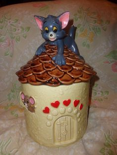TOM & JERRY cat & mouse COOKIE JAR ! ~ 1981 MGM FILM CO.