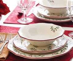 Better Homes & Gardens Christmas dinnerware sets,Christmas dish sets,holiday dinnerware sets,holiday plates