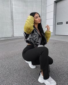 Mode Outfits, Trendy Outfits, Girl Outfits, Fashion Outfits, Women's Fashion, Black Girl Fashion, Fashion Looks, Amanda Khamkaew, Winter Fits