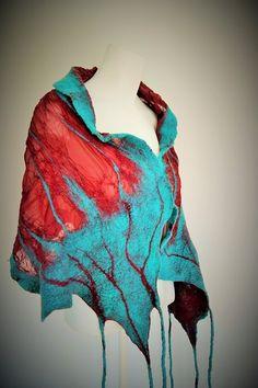 Estola em seda e pormenores em Lã  Merino. ideiasdaflora@gmail.com https://www.facebook.com/ideiasdaflora http://ideiasdaflora.blogspot.pt/ Flora Silva- Portugal
