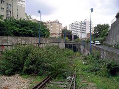 petite ceinture rue national Tramway, Paris Photos, Rue, Sidewalk, Train, Train Stations, The Neighborhood, Paths, Ile De France