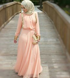 soriee peach dress, Street styles hijab looks… Islamic Fashion, Muslim Fashion, Modest Fashion, Hijab Outfit, Hijab Gown, Hijab Trends, Street Hijab Fashion, Kimono Fashion, Eid Outfits