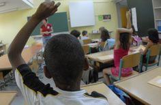 """Troppi stranieri in classe """"Impossibile studiare"""": la scuola costretta a mettere le quote per italiani - http://www.sostenitori.info/troppi-stranieri-classe-la-scuola-mette-le-quote-italiani/276401"""