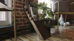 DIY Ladder Style Bookshelf  More Home Decor Ideas: http://www.damniwantit.net/category/home-and-office/
