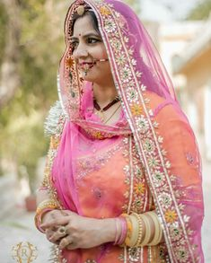 Rajasthani Dress, Bandhani Dress, Indian Wedding Photography Poses, Bridal Lehenga Collection, Rajputi Dress, Blouse Designs Silk, Indian Bridal Fashion, Indian Lehenga, Indian Ethnic Wear