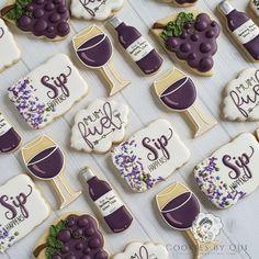 Other Custom Cookies — Cookies By Qui Wine Cookies, Mother's Day Cookies, Birthday Cookies, 40th Birthday, No Bake Sugar Cookies, Sugar Cookie Royal Icing, Cupcakes, Cupcake Cookies, Cookies Decorados