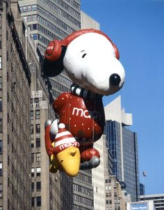 Besties forever! Snoopy and Woodstock are one of the Macy's Thanksgiving Day Parade's most popular characters