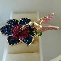 Flower and bird design ring 6 Brand new, 24k gold plated alloy ring. Jewelry Rings