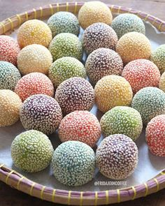 Onde-Onde Rainbow by Bahan Is Indonesian Desserts, Indonesian Food, Dessert Drinks, Dessert Recipes, Asian Cake, Traditional Cakes, Healthy Menu, Pudding Desserts, Cafe Food