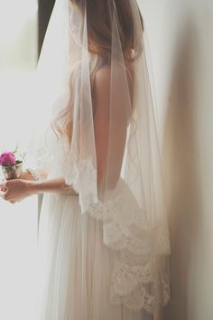 Ethereal Lace Edged Bridal Veil | Ellie Asher Photo | Dreamy Mountain Lodge Wedding in Fuchsia and Mint