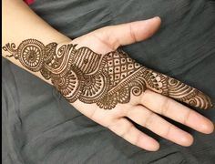 Explore latest Mehndi Designs images in 2019 on Happy Shappy. Mehendi design is also known as the heena design or henna patterns worldwide. We are here with the best mehndi designs images from worldwide. Henna Hand Designs, Mehndi Designs Finger, Latest Arabic Mehndi Designs, Mehndi Designs For Girls, Indian Mehndi Designs, Mehndi Designs 2018, Mehndi Designs For Beginners, Mehndi Designs For Fingers, Mehndi Design Images