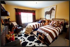 Exceptionnel Boys Cowboy Bedroom With Stripes Bed Cover And Two Bed In Bedroom Also Cow  Motive Carpet