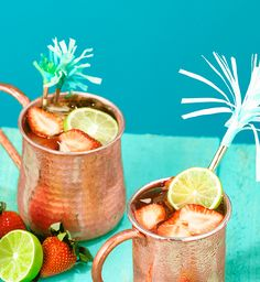 This Moscato Spritzer Mule cocktail puts a fruity spin on the classic Moscow Mule drink recipe. Featuring Barefoot Refresh Moscato Spritzer.