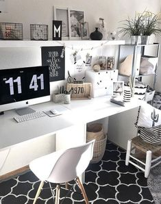 Cozy home office, bedroom decor, home office decor. Cozy Home Office, Home Office Space, Home Office Design, Home Office Decor, Home Decor, Workspace Inspiration, Room Inspiration, Pinterest Room Decor, Decoration Gris