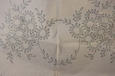 Daisy Garland - Vintage Iron-on Embroidery Transfer - No 920 by TheVintageSewingB on Etsy