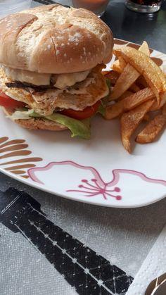 COMIDA DIA 17/02/2021 Hamburger, Chicken, Ethnic Recipes, Food, Pork Loin, Hamburgers, Homemade, Recipes, Eten