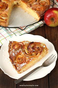 Apple almond rose tart Jabłkowo - migdałowa tarta z różą