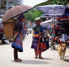 'Party' is over! Time to go back home #market #marketlife#marketfood  #localmarket #bachamarket #vietnam #northvietnam #vietnamladies #bacha #minorities #ontheroad #hondawin #travel #exploreasia #travelgram #traveldeeper #viaggio #instatravel #sabbatical #aroundtheworld #seetheworld #globetrotter #nomad #gipsy #zainoinspalla #backpacking #backpacker #discover #communicate #day120 by tariz