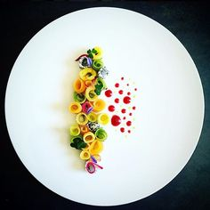 ✨Fruit salad, basil, Sichuan pepper  by @cuisinaddicte ⭐️ Cookniche.com for your culinary inspirations