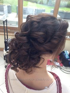 Wedding hair updo perfect for bride or bridesmaid. Wedding hair for blonde or brunette