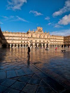 Plaza Mayor de #Salamanca, uno de los 95 lugares de #España que @viajar propone que hay que ver una vez en la vida.